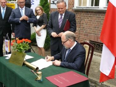 Podpisanie aktu erekcyjnego 10 czerwca 2013r