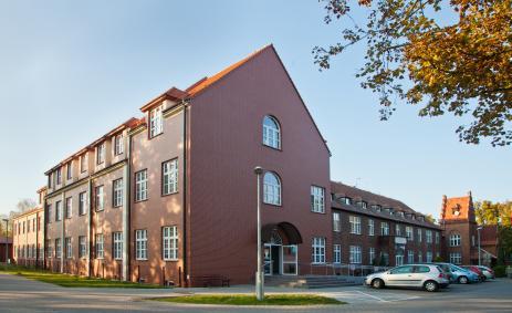Szpital Średzki po rozbudowie - widok obecny